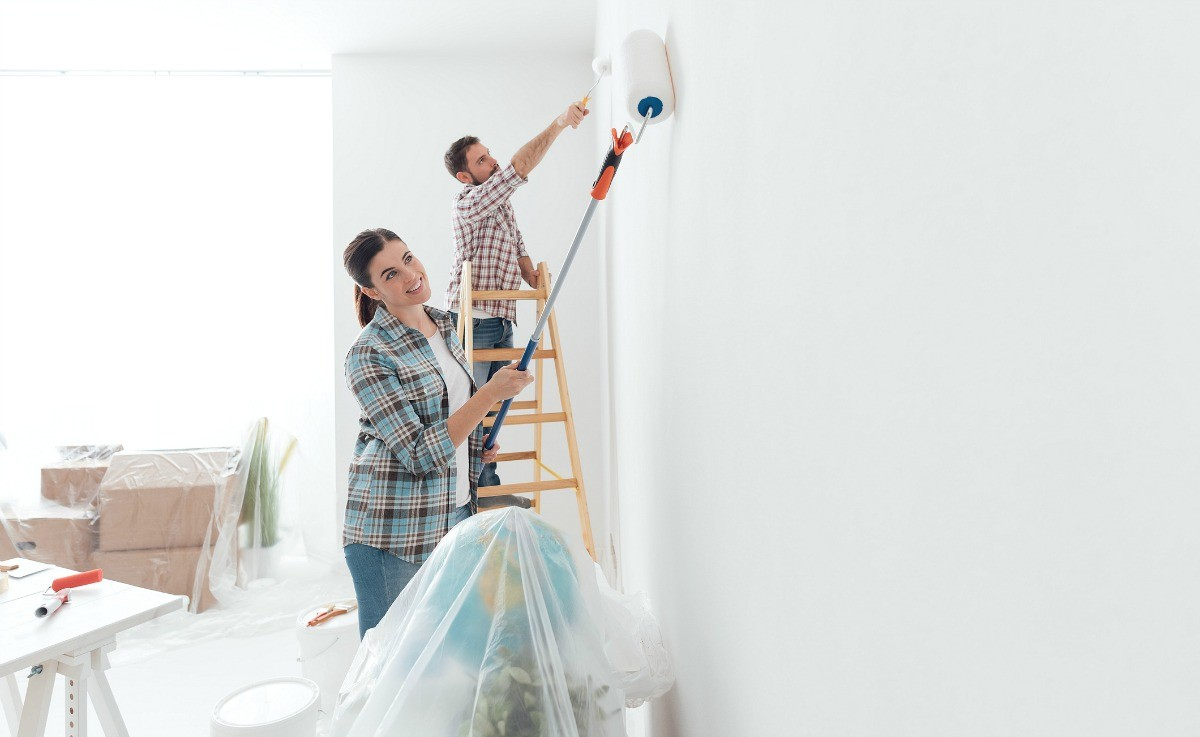 College Station TX Professional Painting Contractors Home Page Image-We offer Residential & Commercial Painting, Interior Painting, Exterior Painting, Primer Painting, Industrial Painting, Professional Painters, Institutional Painters, and more.